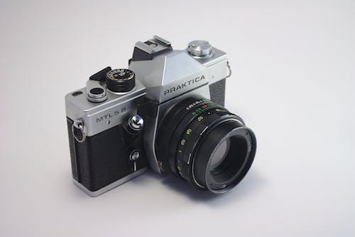 Foto profissional grátis de câmera, câmera analógica, câmera retrô, clássico