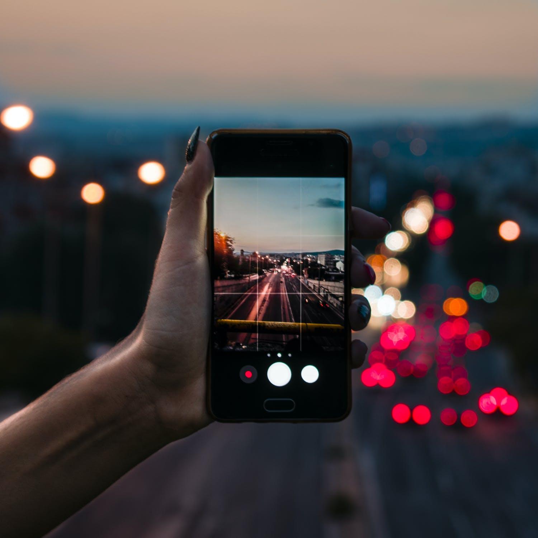 So schließen Sie Hintergrundanwendungen auf Android
