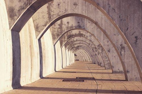 建築設計, 拱, 拱門, 混凝土結構 的 免费素材照片
