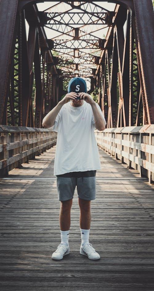 Kostnadsfri bild av bro, fotografering, fritid, fritidskläder
