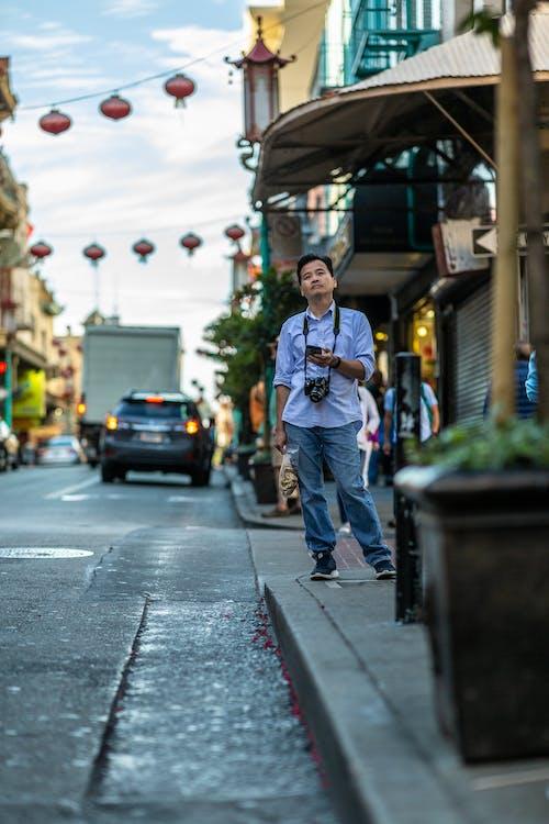 Základová fotografie zdarma na téma asiat, auto, centrum města, denní světlo
