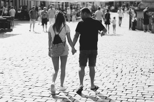 Photos gratuites de adultes, chaussée, couple, ensemble
