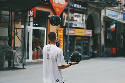 Gratis lagerfoto af atlet, bolde, butikker, bygninger