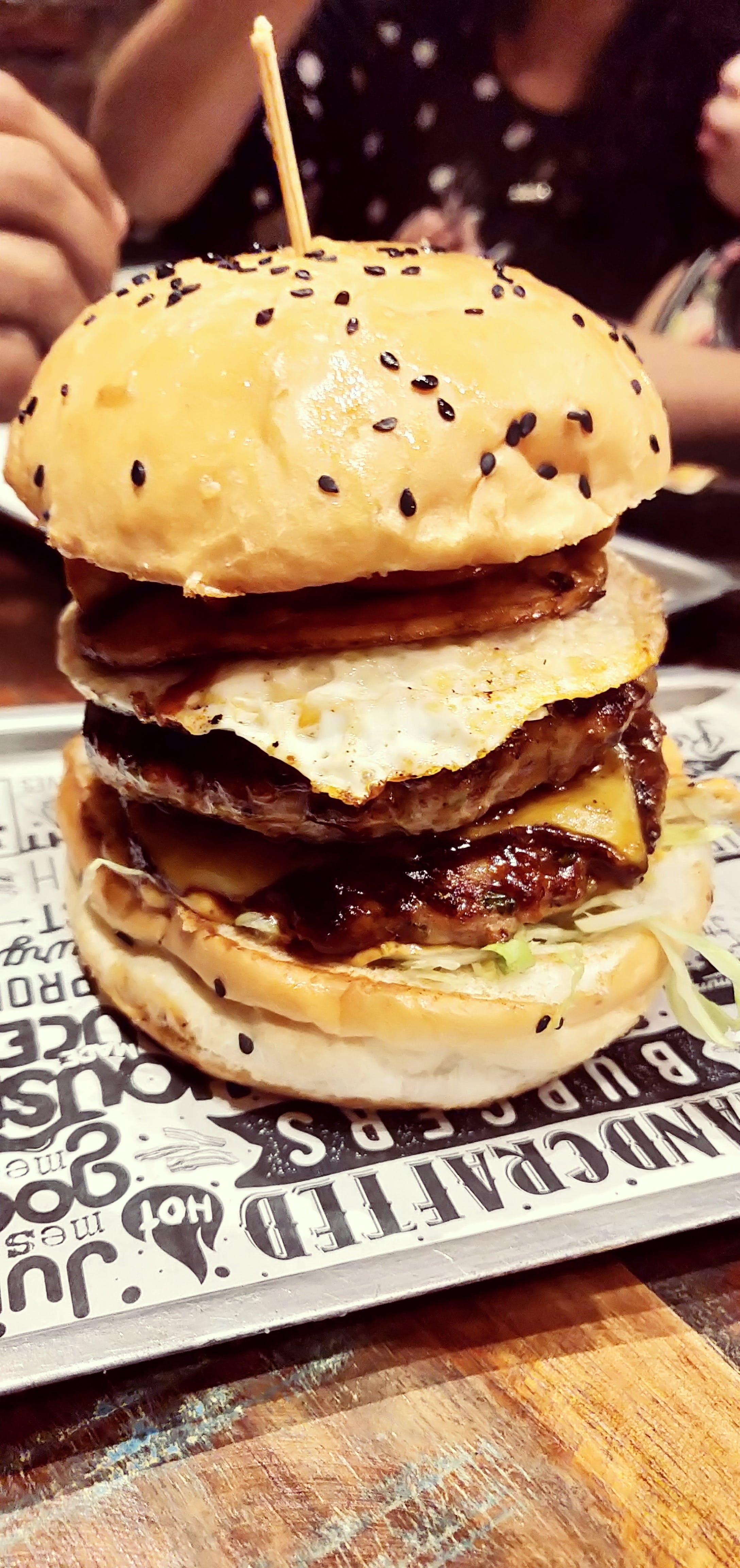 Free stock photo of burger, cheese, cheeseburger, city