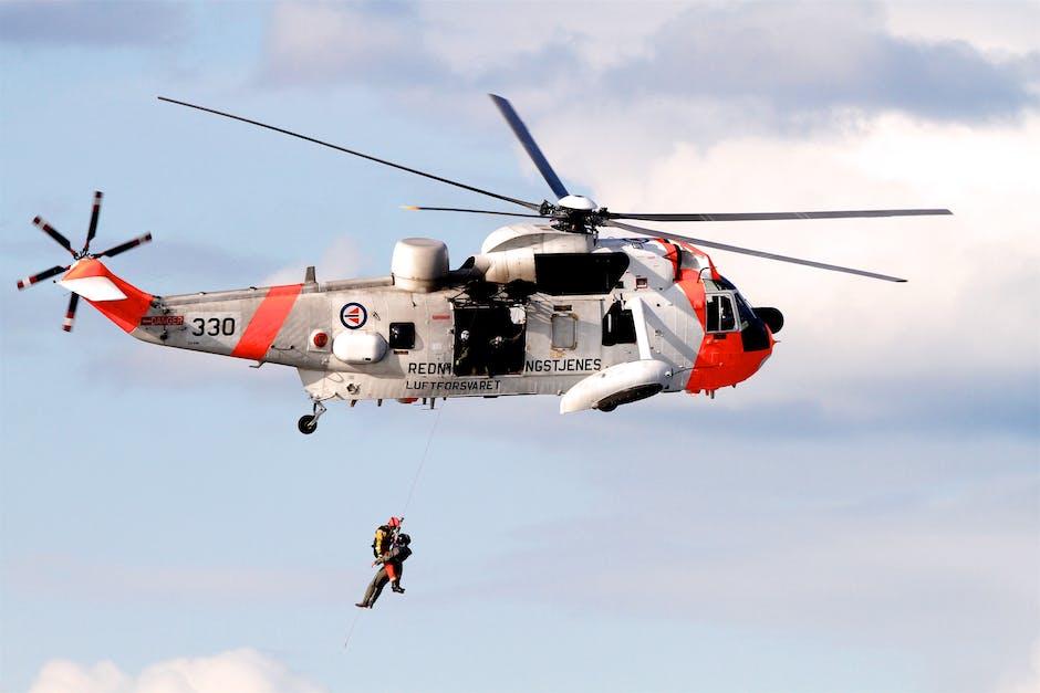Helikopter tim penyelamat