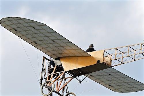 Kostnadsfri bild av antik, flygande, flygplan, hög