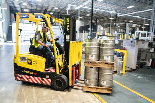 pallet stacker trucks