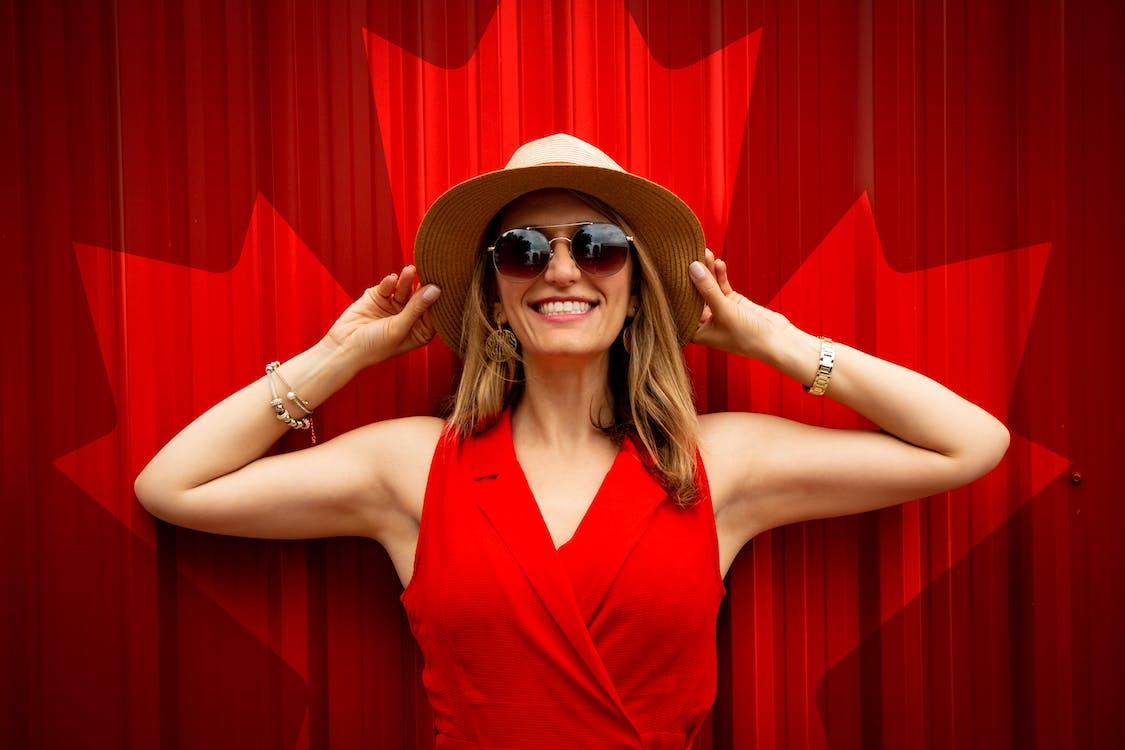Základová fotografie zdarma na téma červená, červené šaty, den kanady