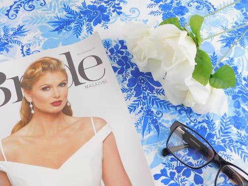 Immagine gratuita di azzurro, bianco, rose, sposa
