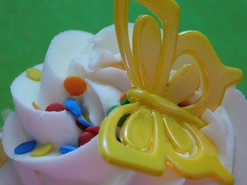 Immagine gratuita di codette colorate, cupcake, d, dolci