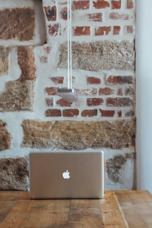 Foto profissional grátis de computador portátil, contemporâneo, equipamento eletrônico, espaço