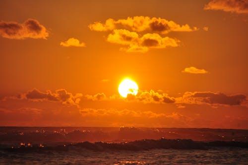 Immagine gratuita di acqua, alba, ambiente, cielo