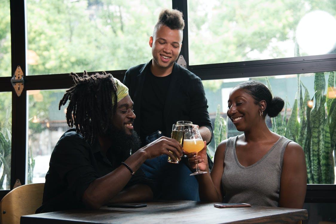 amici, bevanda, bevendo