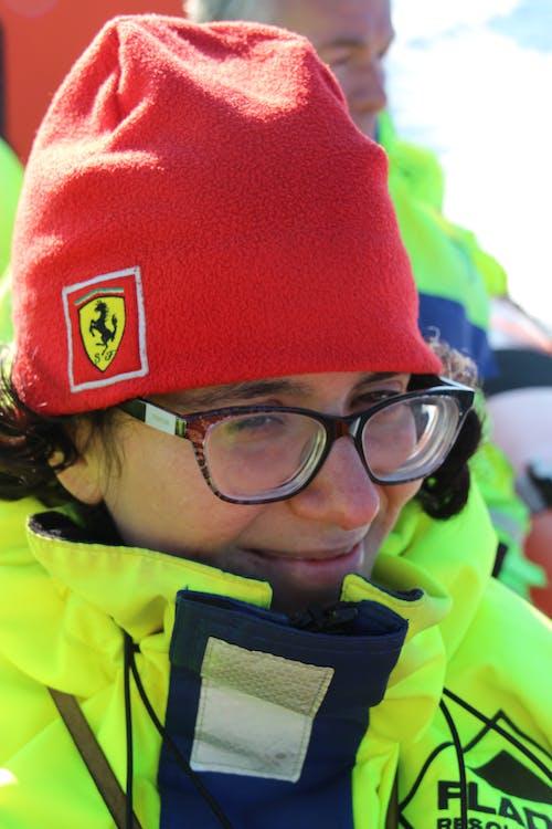 Foto stok gratis cemberut, cewek, gadis spanyol, jaket anti air