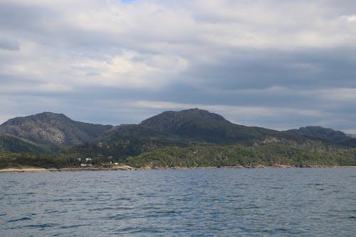Foto stok gratis air, awan, danau, hijau