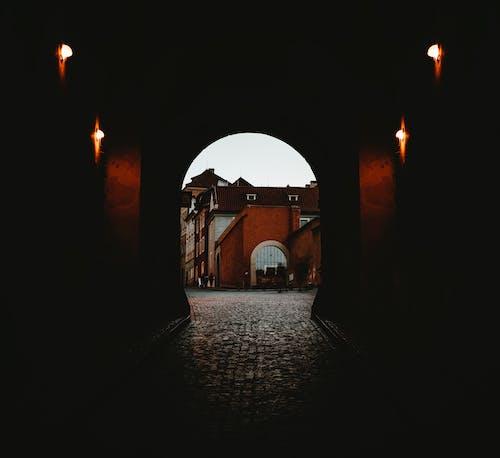 Gratis arkivbilde med bue, mørk, tunnel