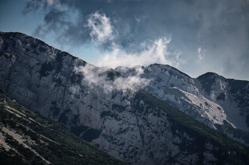 Fotobanka sbezplatnými fotkami na tému garda, krajina, obloha, príroda