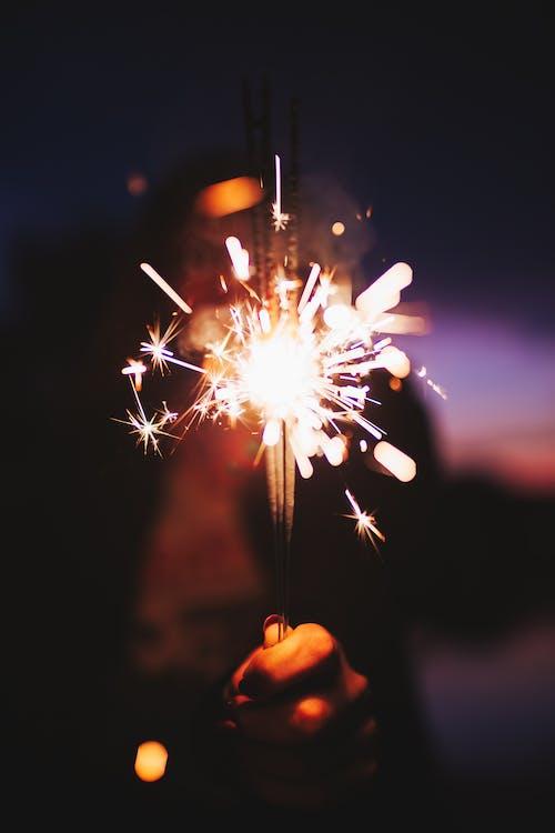 Fotos de stock gratuitas de bengalas, brillar, celebración, chispas