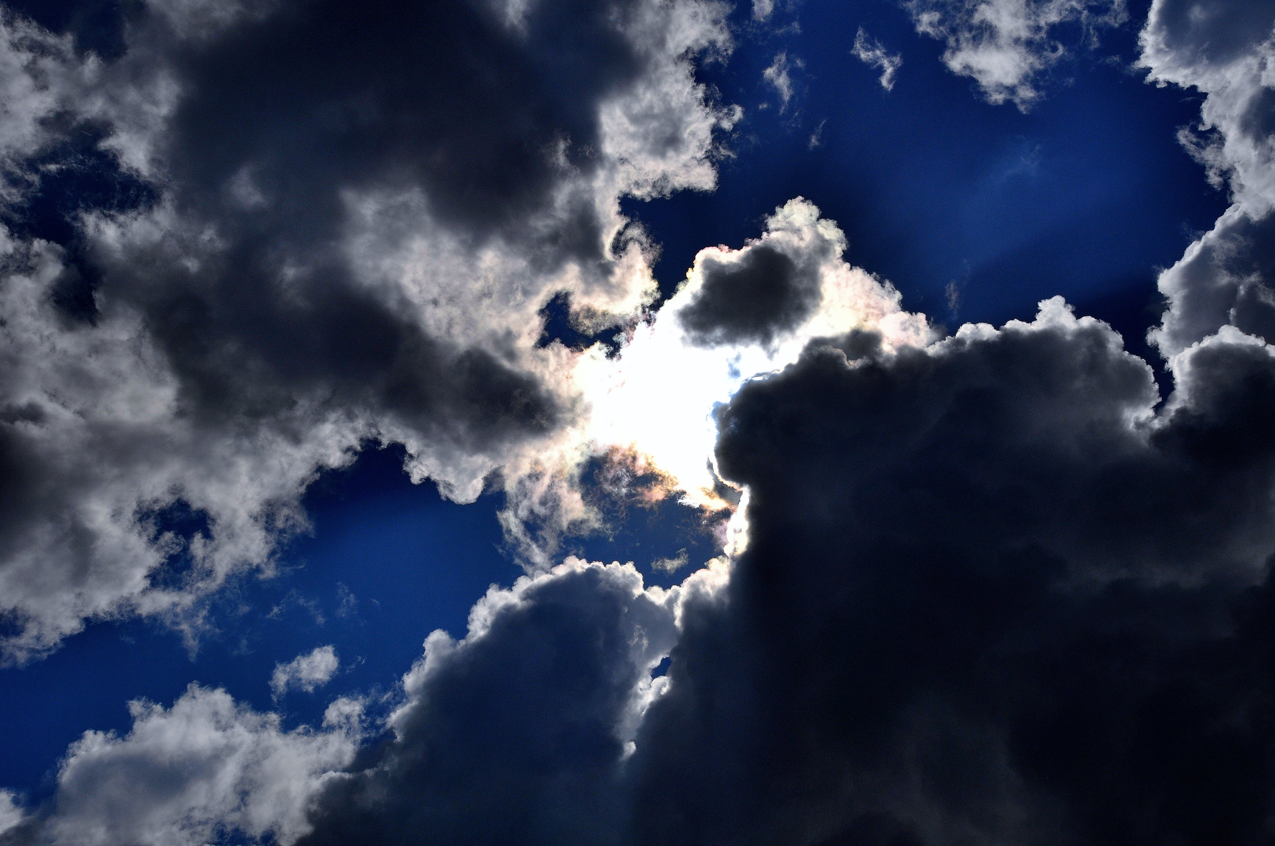 Kostnadsfri bild av moln, Mörk himmel, Sol