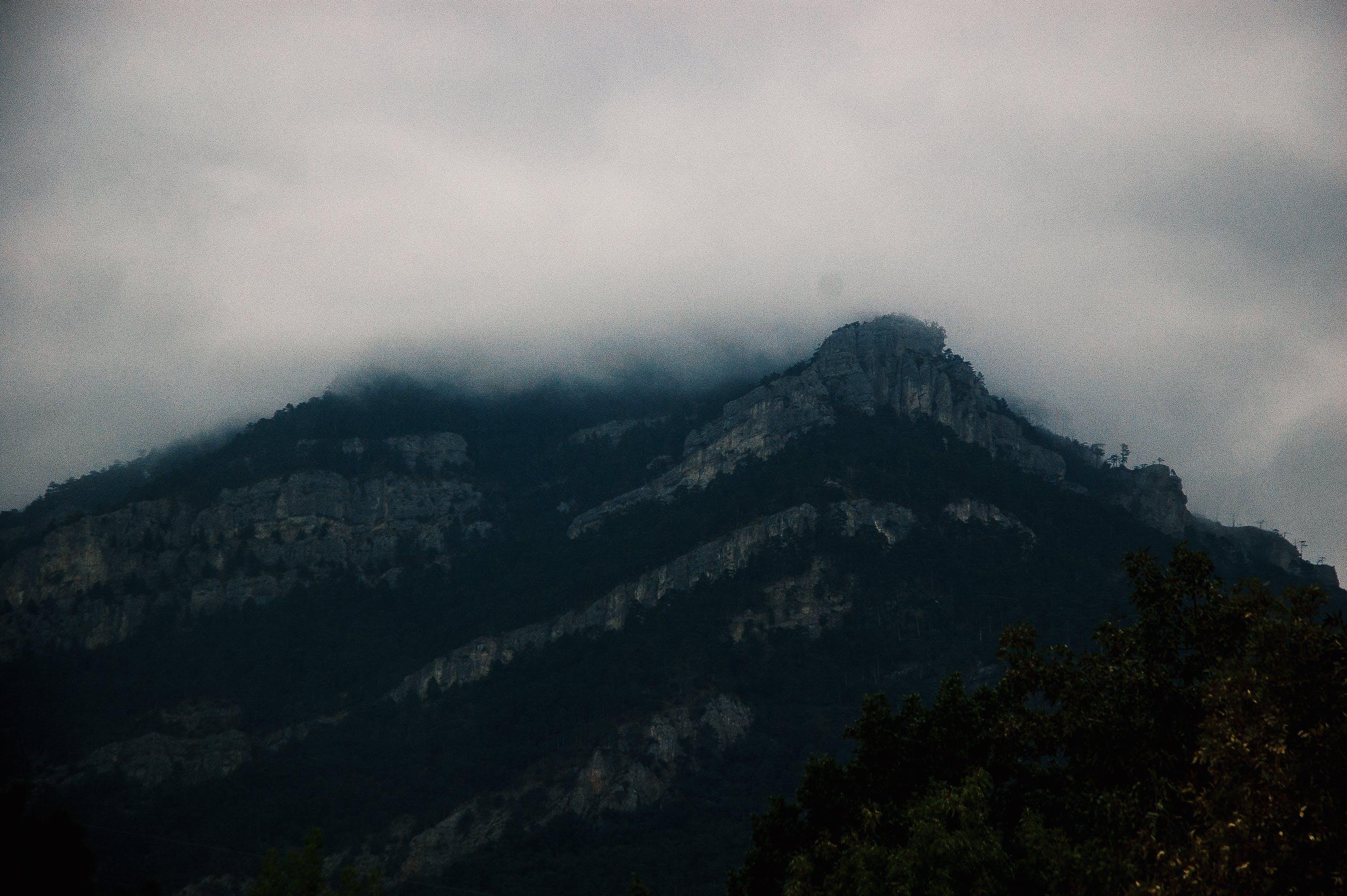 Gratis lagerfoto af aften, bjerg, dagslys, dis