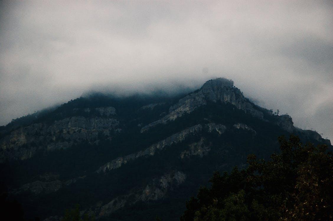 avond, berg, bewolkt