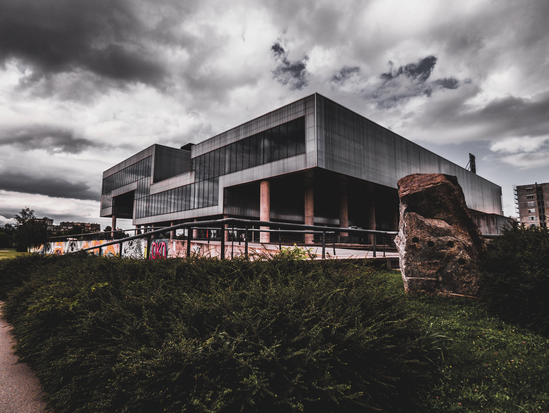 Gratis stockfoto met architectuur, desaturated, lab, secret laboratory