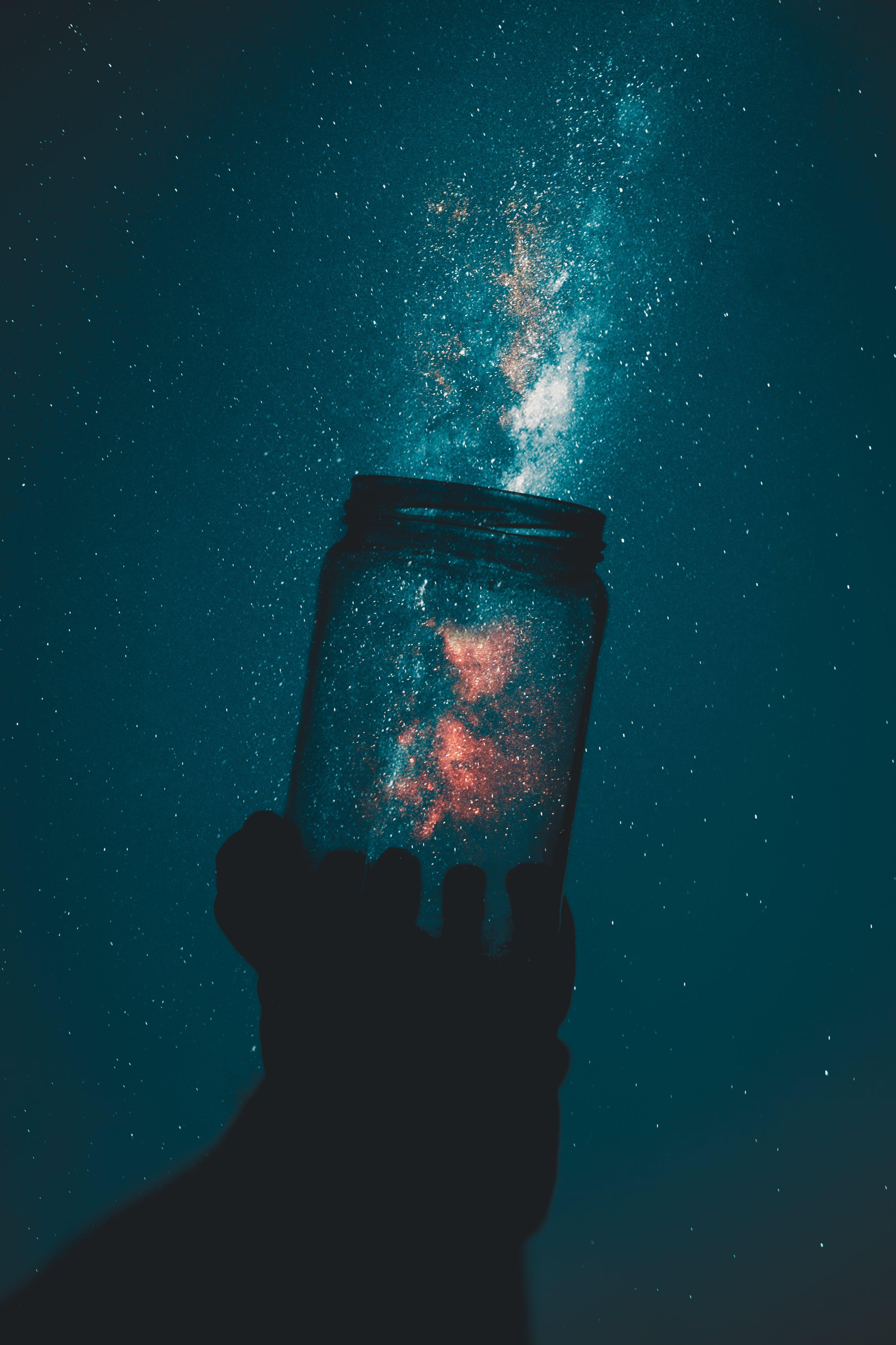 Kostenloses Stock Foto zu licht, himmel, hände, kreativ