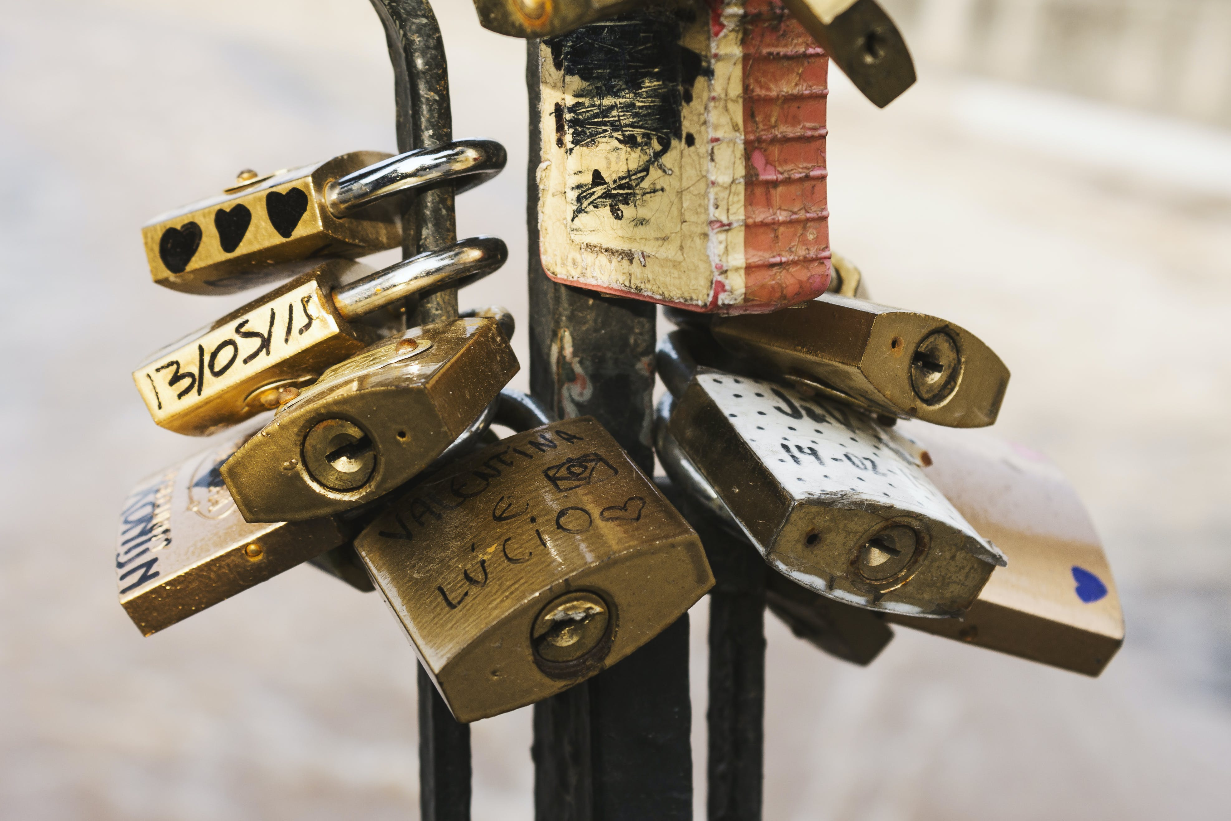Gratis lagerfoto af hængelåse, kærlighedslåse, låse, makro
