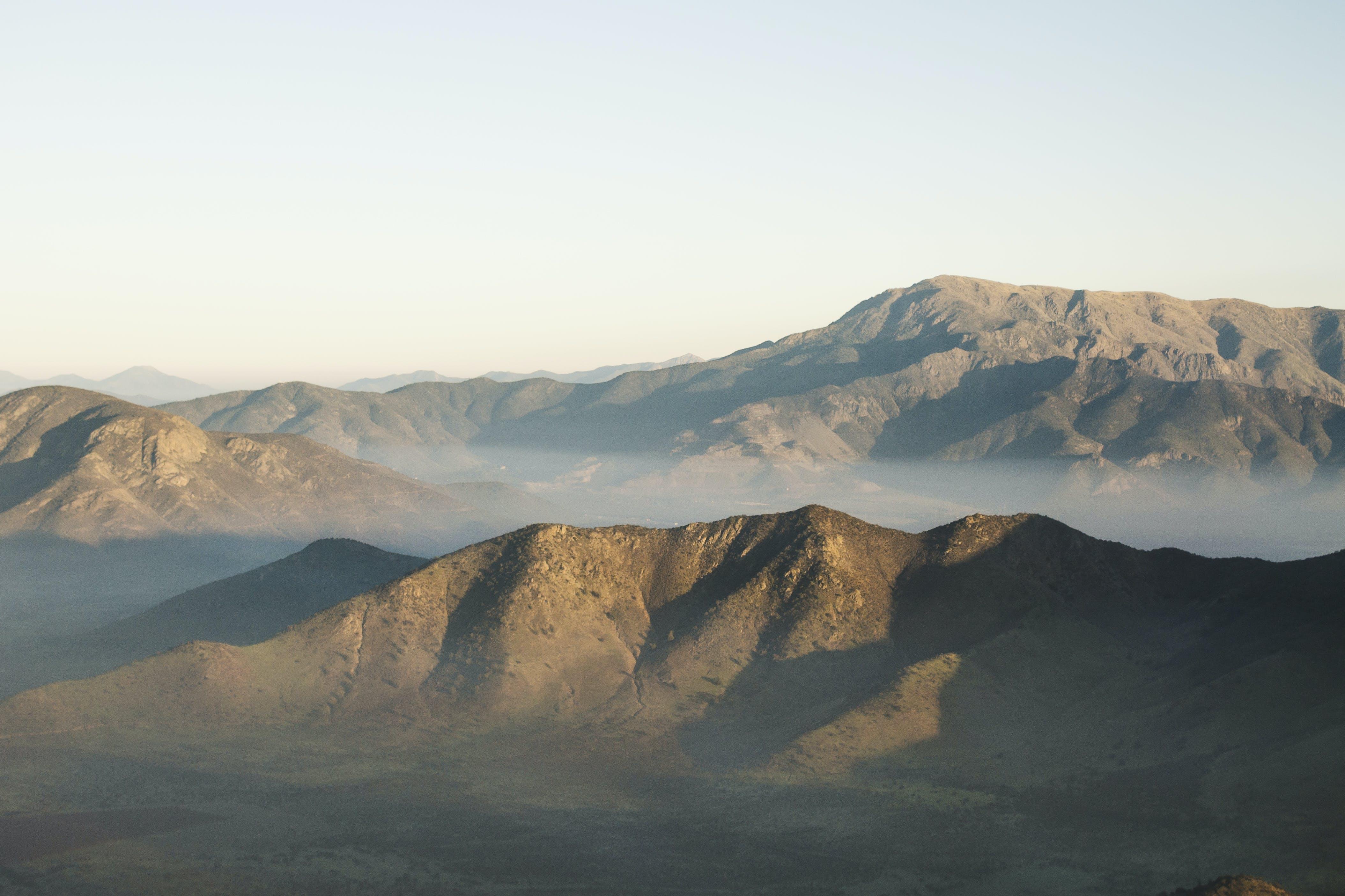 Gratis lagerfoto af bjerge, dagslys, dal, himmel