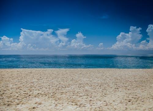 คลังภาพถ่ายฟรี ของ ขอบฟ้า, ชายหาด, ทราย, ท้องฟ้า