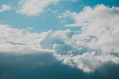 Gratis arkivbilde med blå himmel, skyer