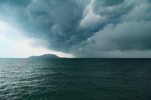 bulutlar, deniz, fırtına içeren Ücretsiz stok fotoğraf