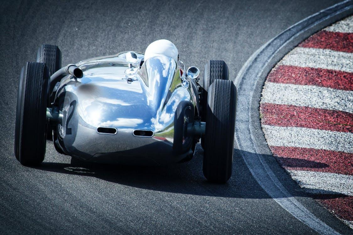 automobilové preteky, motoristický šport, pretekár