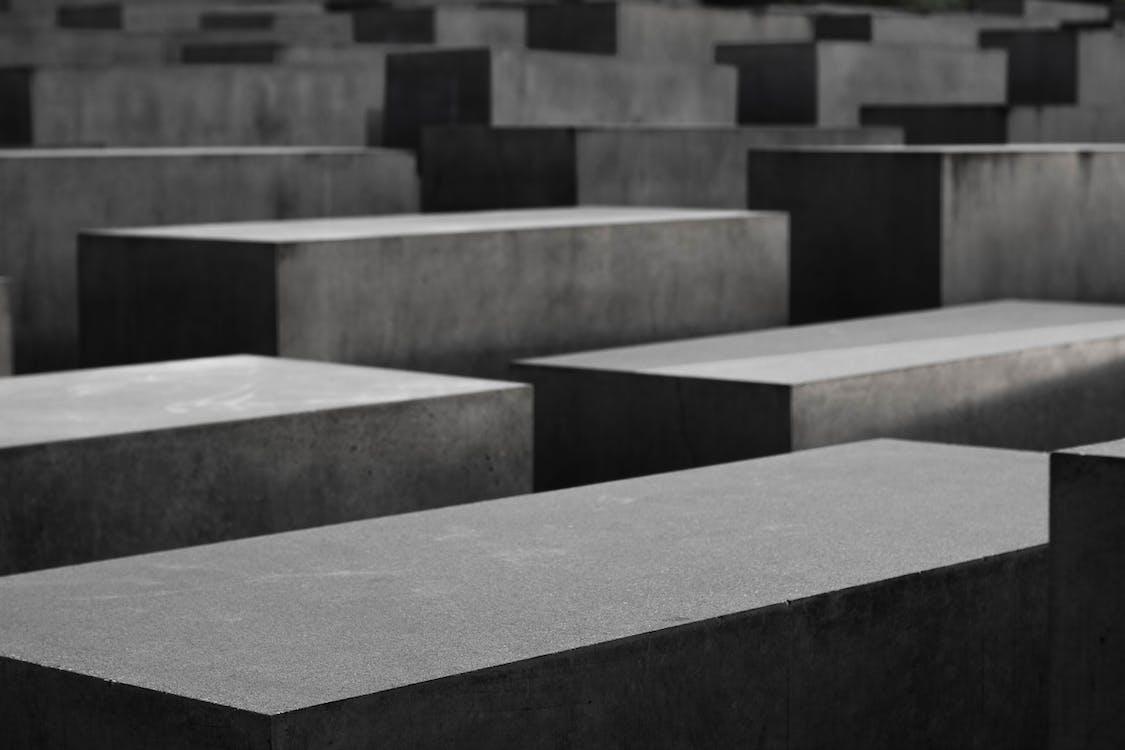 Berlin, beton, holokost anıtı içeren Ücretsiz stok fotoğraf