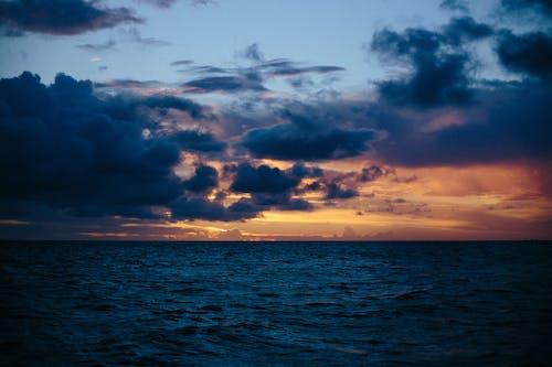 Darmowe zdjęcie z galerii z chmury, fale, horyzont, jasny