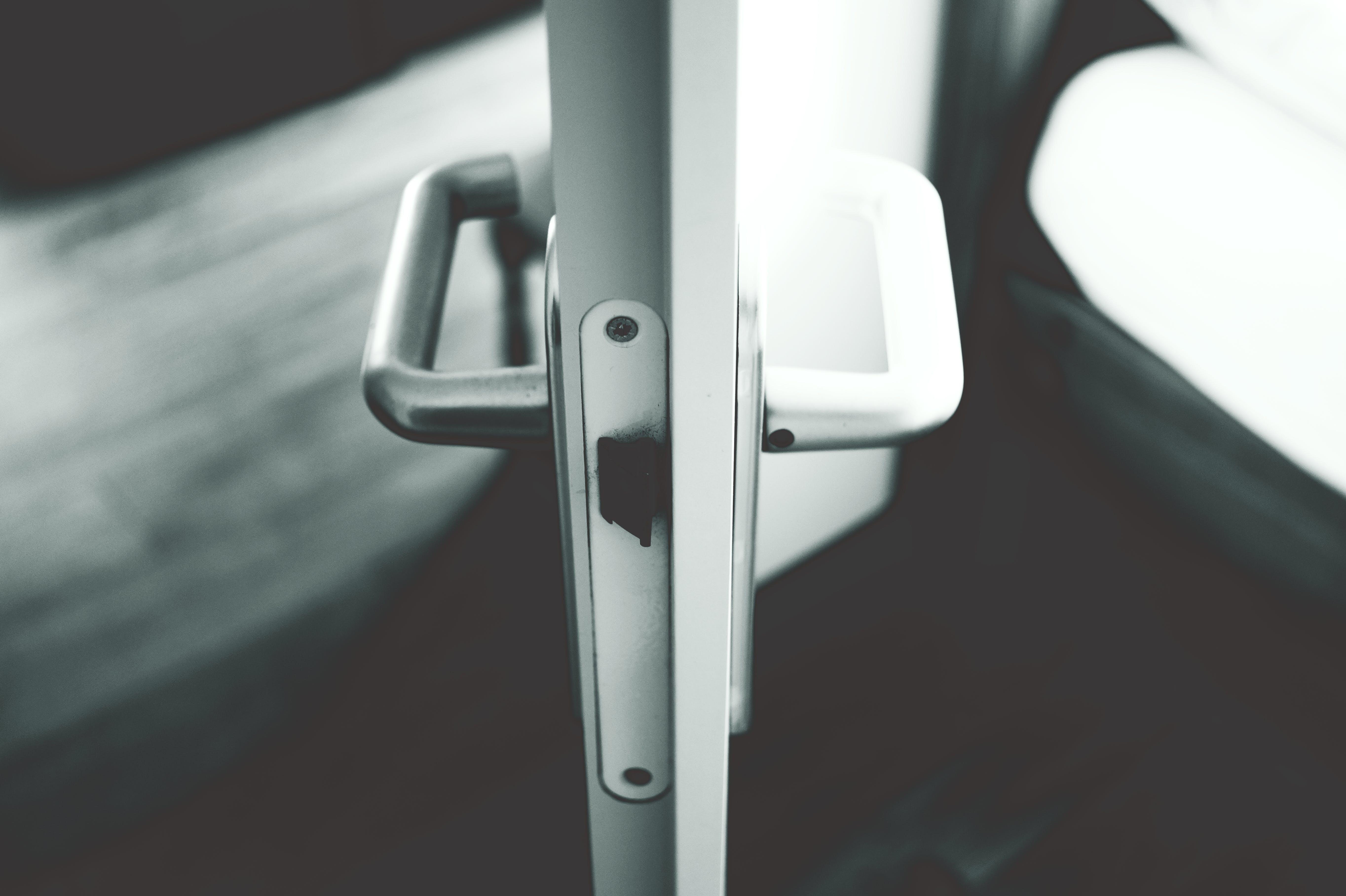 Free stock photo of black-and-white, door knob