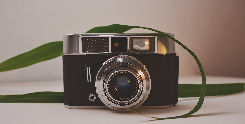Analog, bağbozumu, eskiye dönüş, kamera içeren Ücretsiz stok fotoğraf