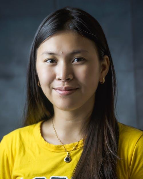 aşındırmak, Asyalı kadın, bakmak, gündelik içeren Ücretsiz stok fotoğraf