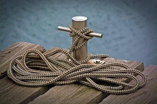 Foto d'estoc gratuïta de cable, corda, cos d'aigua, de fusta