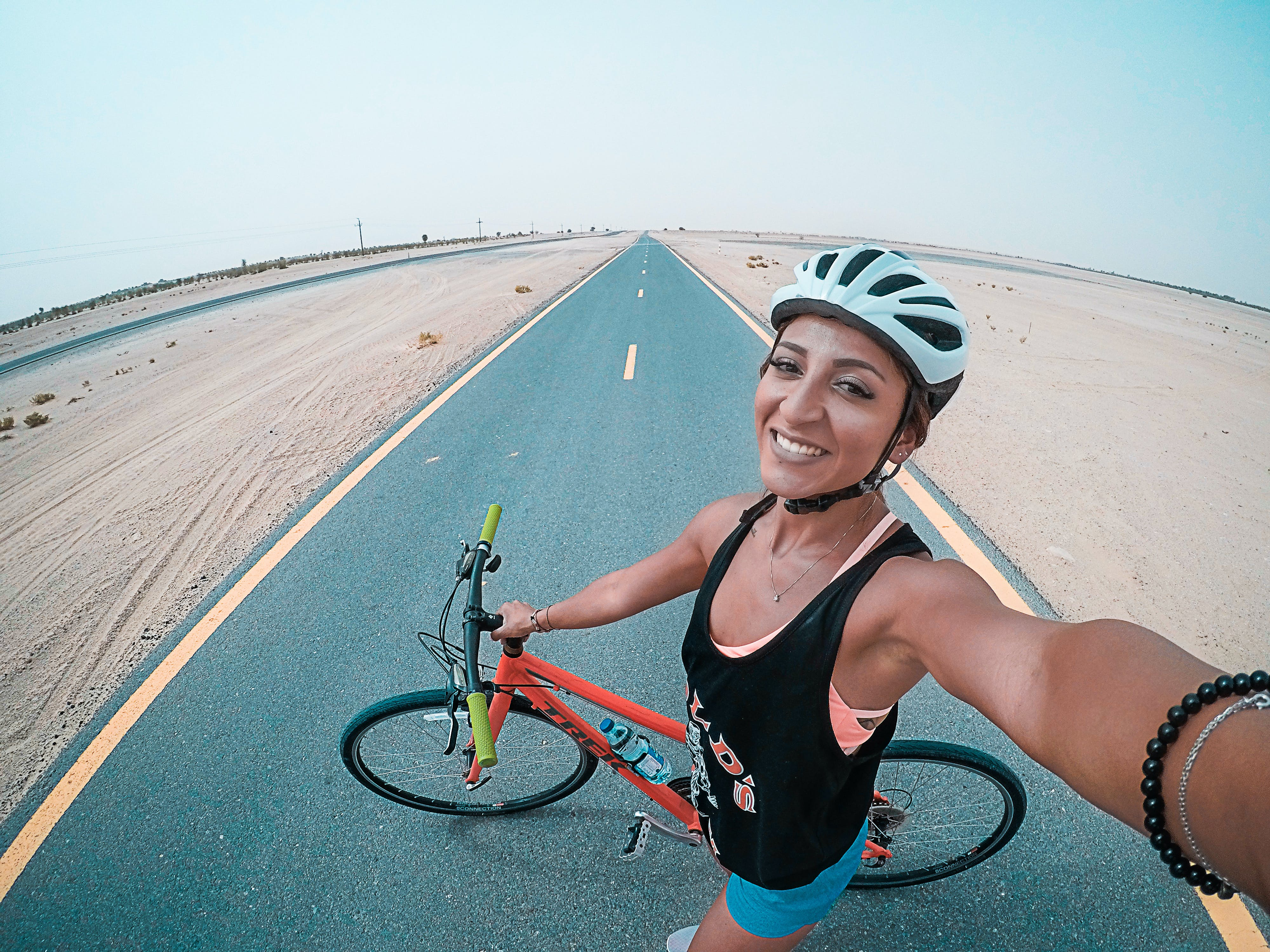 Fotobanka sbezplatnými fotkami na tému bicyklovanie, cvičenie, cyklista, dievča