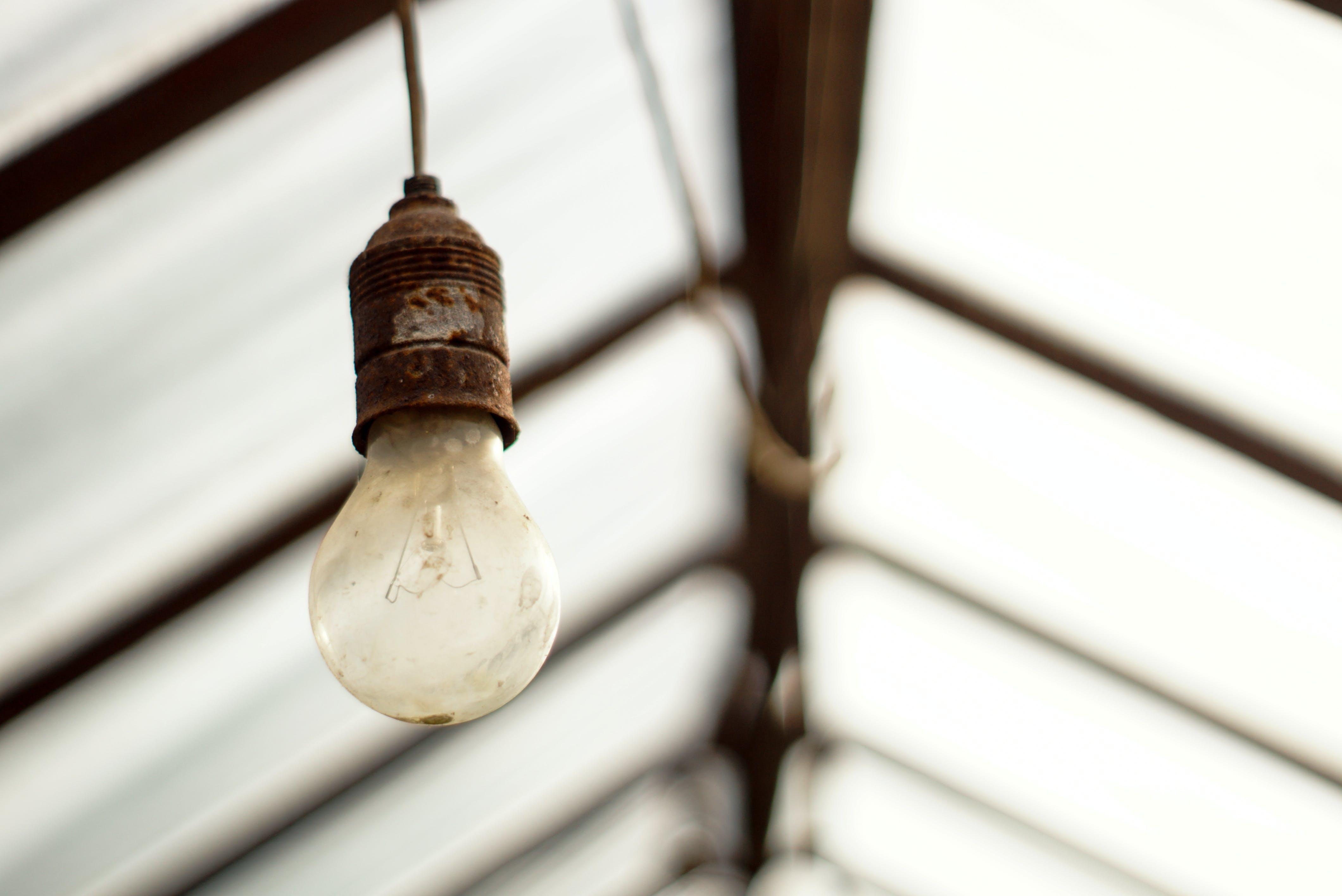 Kostenloses Stock Foto zu glühbirne, rost, vintage