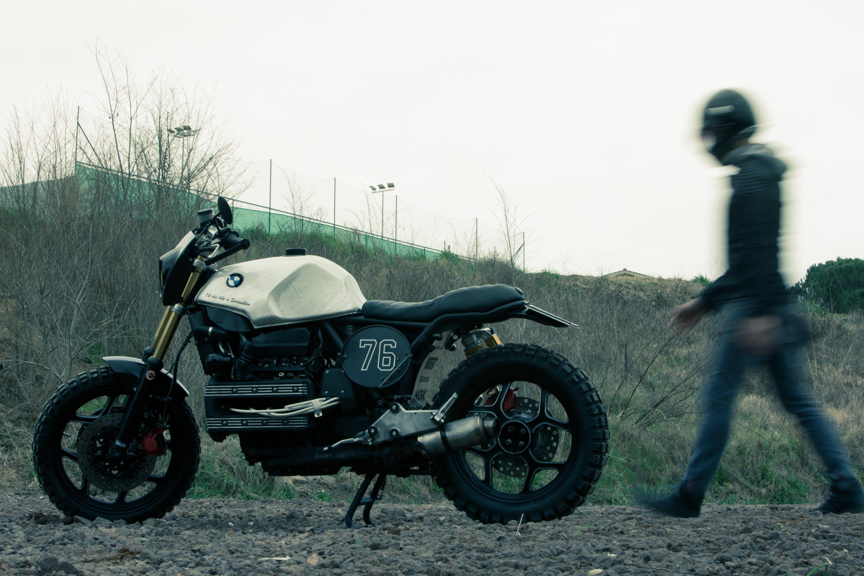 Gratis stockfoto met biker, bodem, dag, gras