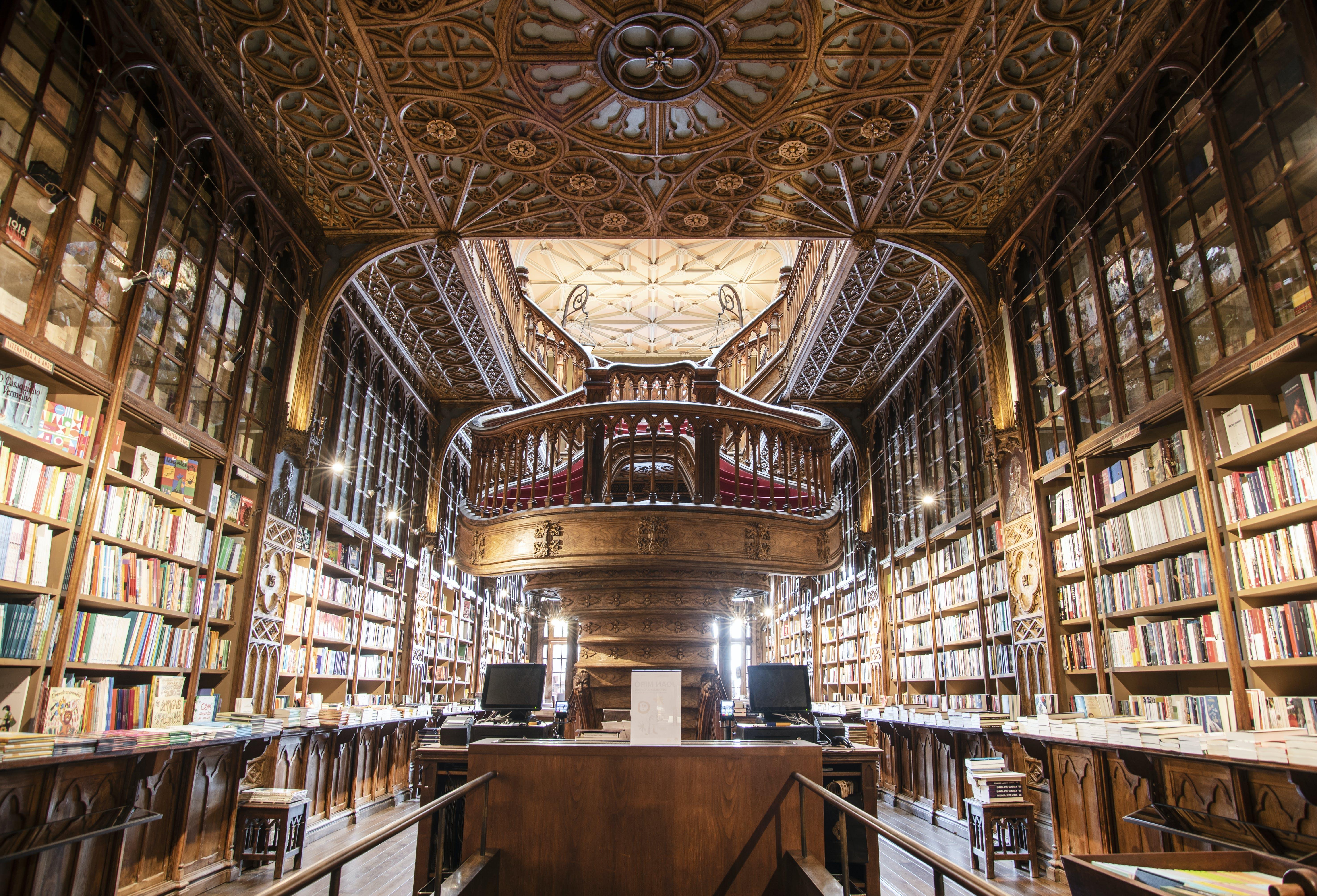 Ảnh lưu trữ miễn phí về cầu thang, giá sách, hiệu sách, nội thất