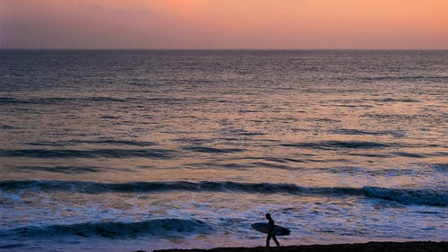 Δωρεάν στοκ φωτογραφιών με Surf, αντανάκλαση, απόγευμα, αυγή