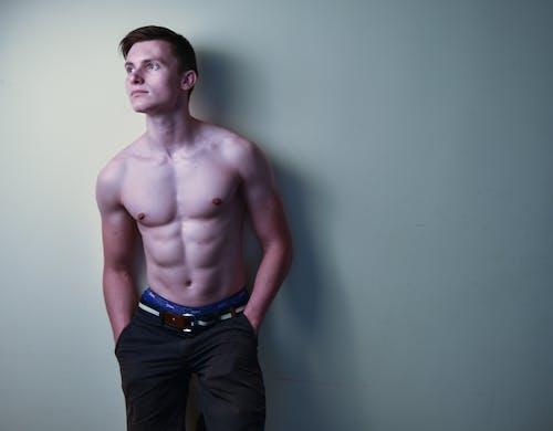 Základová fotografie zdarma na téma biceps, břišní svaly, chlapec, chlápek