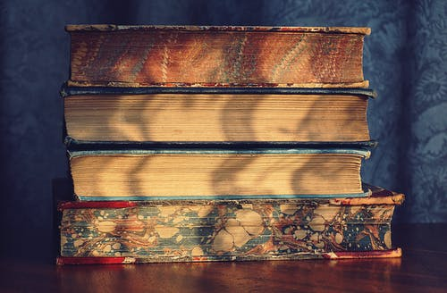 Gratis arkivbilde med bøker, design, gamle bøker, møbler