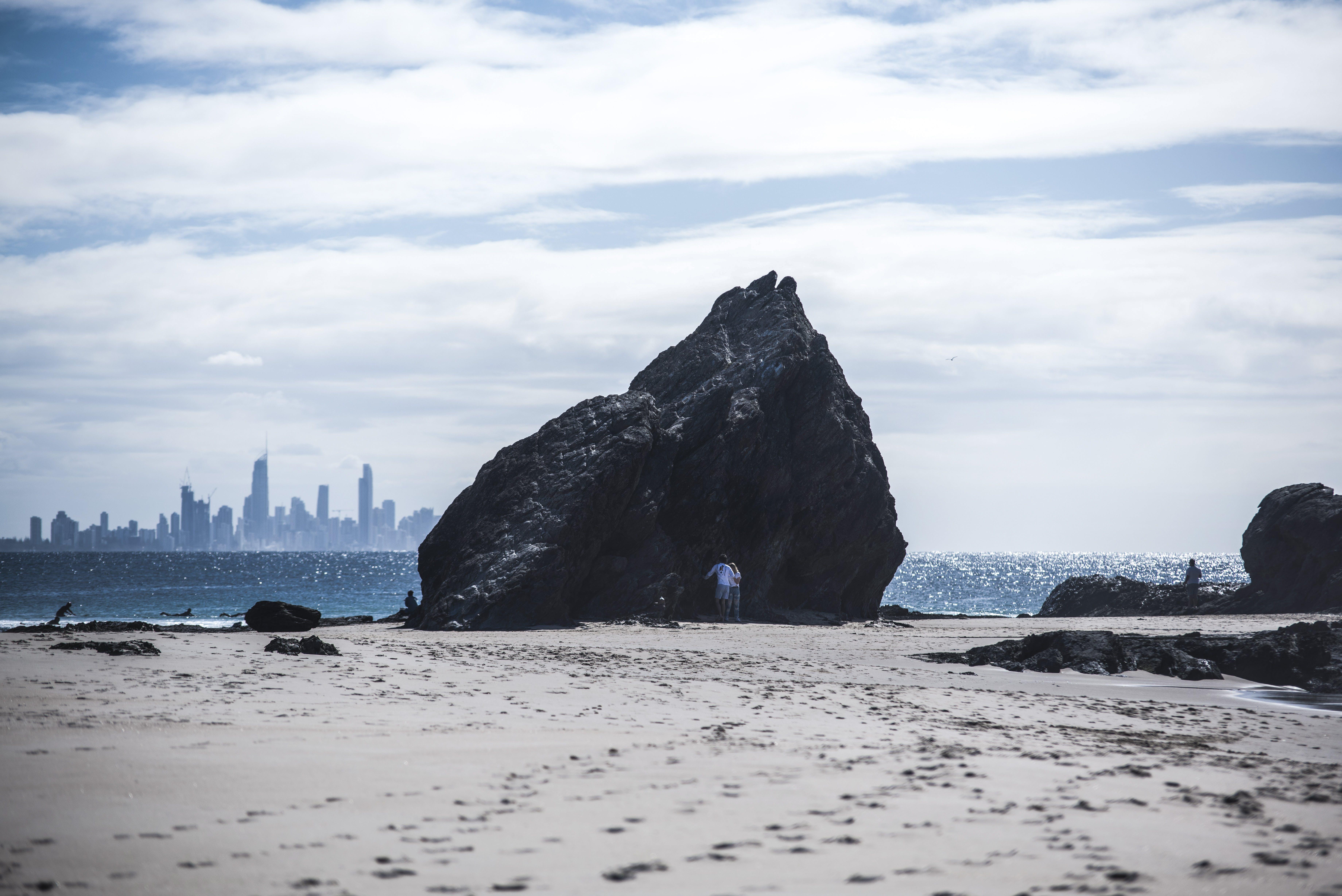 Gratis lagerfoto af blåt vand, bølger, havudsigt, klippeformation