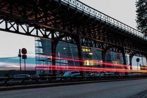 Foto stok gratis Arsitektur, cahaya, fotografi malam, garis-garis yang kabur