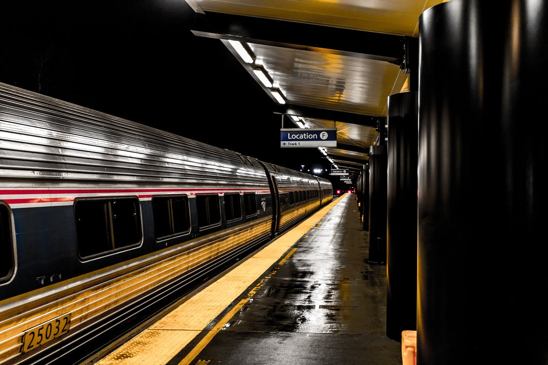 jernbane, jernbanestasjon, lokomotiv
