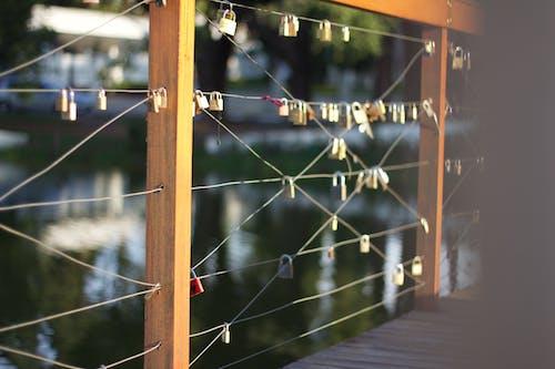 Ilmainen kuvapankkikuva tunnisteilla Riippulukko, silta